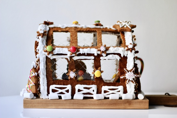 gingerbread house_interior