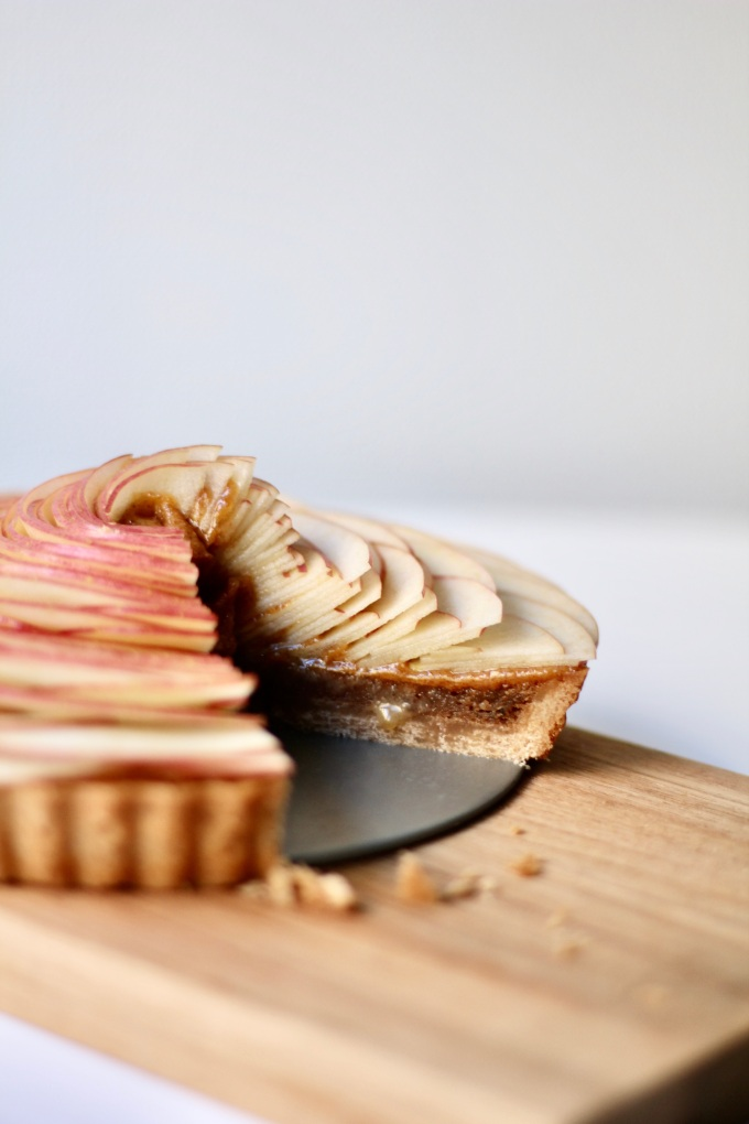 apple walnut tart_slice