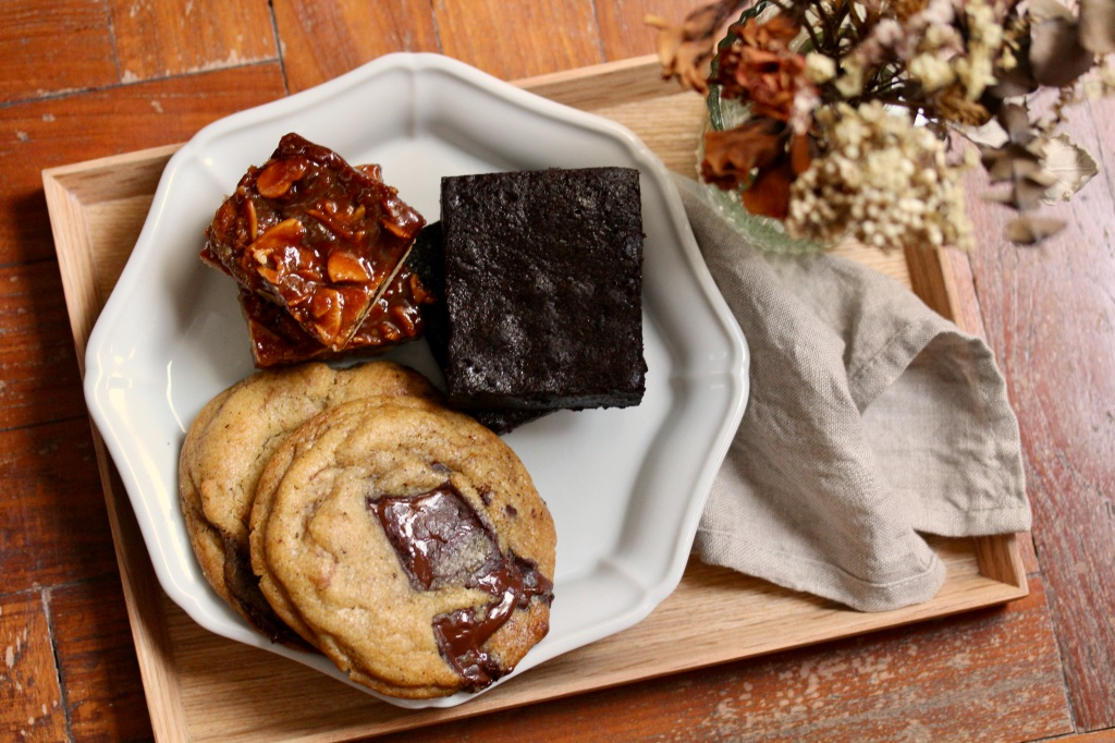 Chocolate chunk cookies, sea salt honey florentine shortbreads and cocoa brownies l Bake sale l Singapore